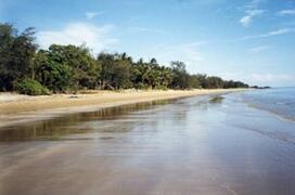 30 SECONDS WALK FROM OAK BEACH