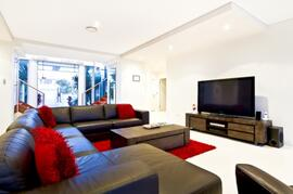 Spacious Modern Lounge Room With Large LCD TV, Foxtel, Blue Ray DVD Player, Ipod Dock, Video Arcade With +1000 Games