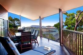 Quality Gas BBQ, Outdoor Dining, Sunlounges & Wow The Ocean Views Are Incredible!!