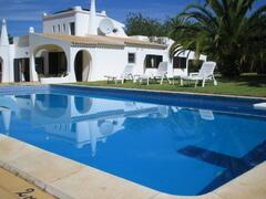 Property Photo: Villa Bonita