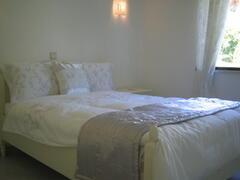 Queen Size Silver Bedroom