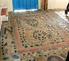 Inside the front door lies a beautiful hand crafted stone mosaic of the house's namesake 'Las Golondrinas' (The Swallows)