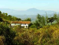 Las Golondrinas infront of Los Montes De Malaga