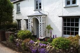 Property Photo: Beautiful cottage