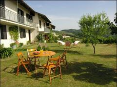 Property Photo: Cascina Bricchetto Langhe (Farmhouse Bricchetto at Langhe)