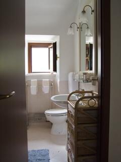 Casa Belvedere Bathroom