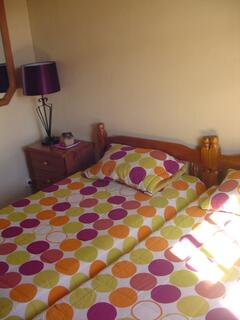 twin bedroom, Casa da Barca.  Cozy bedroom with two twin beds and closets