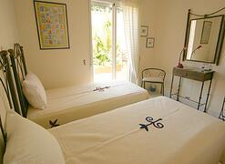 Bedroom 2 (Fountain apt)