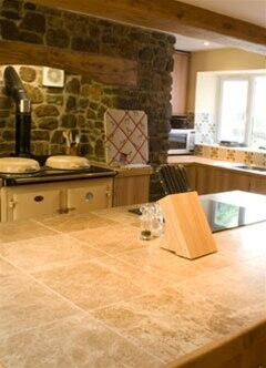 The farmhouse kitchen at Honeymead holiday accommodation