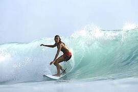 Enjoy surfing with our affiliated surf school.