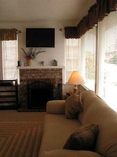 House #1 Fireplace & Flat Screen TV