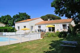 Property Photo: La Fontaine