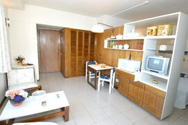 Living & kitchenette
