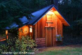 Property Photo: Almost Paradise Lodging - Rainier Cabin