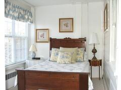 Queen Bedroom of the Music Suite
