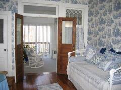 Sitting, TV & twin bedroom of Music Suite