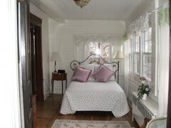 2nd Queen bedroom of the Garden Suite