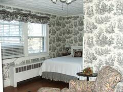 Rose Room 8 with double bed - combine with Rose Room 7