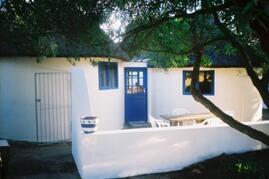 Property Photo: stilbay rondawels