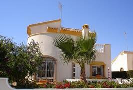 Property Photo: Luxury Detatched Villa