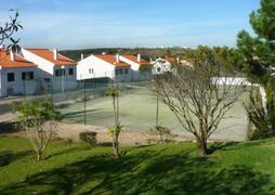 Tennis Apartments