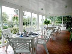 Breakfast room at Lakeside Country Inn