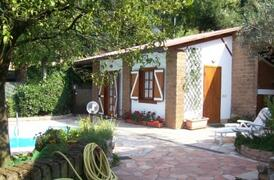 Holiday cottage by Lake Bracciano Rome