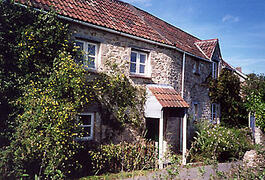 Property Photo: front of cottage